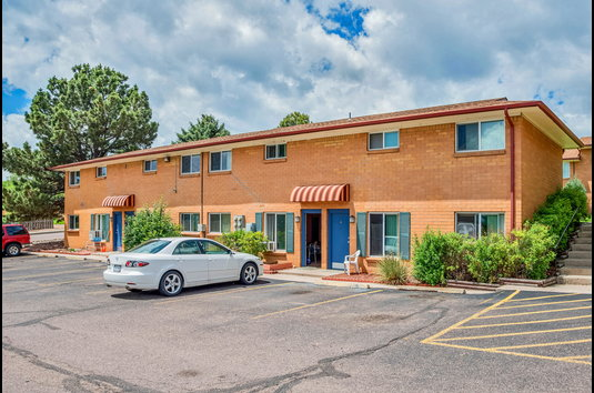 Paloma terrace one bedroom apartment homes 16 reviews colorado springs co apartments for for One bedroom apartments colorado springs