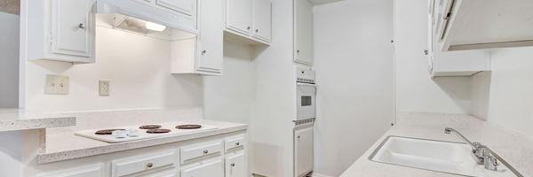 Encino Hillcrest Apartments