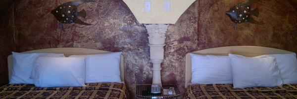 Tiki Hut Motel Apartment