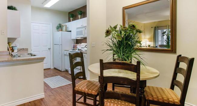 Image Of Hidden Lake Apartments In San Antonio, TX
