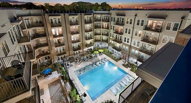 Glenwood At Grant Park Apartments - 7 Reviews