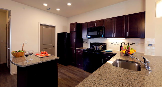 Celtic Crossing Apartments - 5 Reviews | Saint Peters, MO Apartments