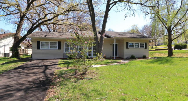 Image of 34 St Laurence Drive in Florissant, MO