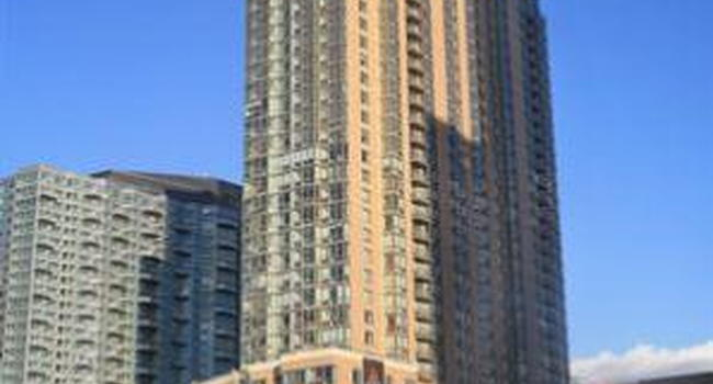 Image Of Avalon Riverview In Long Island City Ny