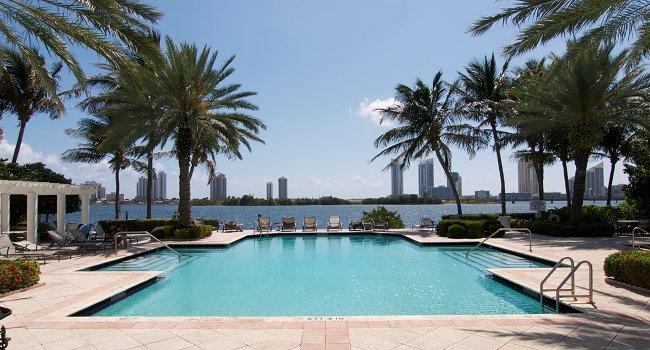 short term rental apartments Village Aventura Miami