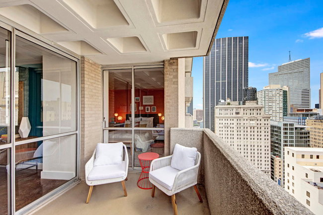 Manager Uploaded Photo Of Manor House Apartments In Dallas Tx