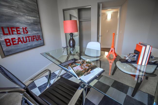 Town Center Apartments - 146 Reviews | Burbank, CA ...